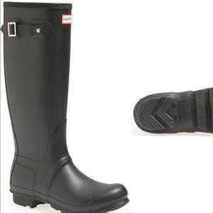 Hunter: Women's Original Tall Waterproof Rain Boot